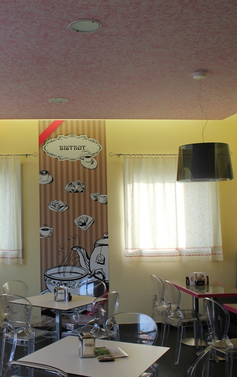 decorazione locale con pannelli personalizzati per panificio pasticceria Antichi Sapori